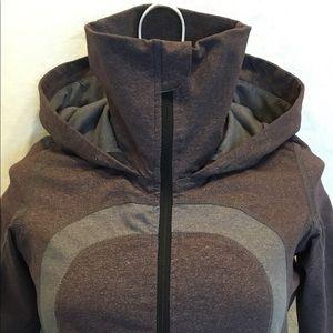 Lululemon 🍋 In Stride jacket with hood